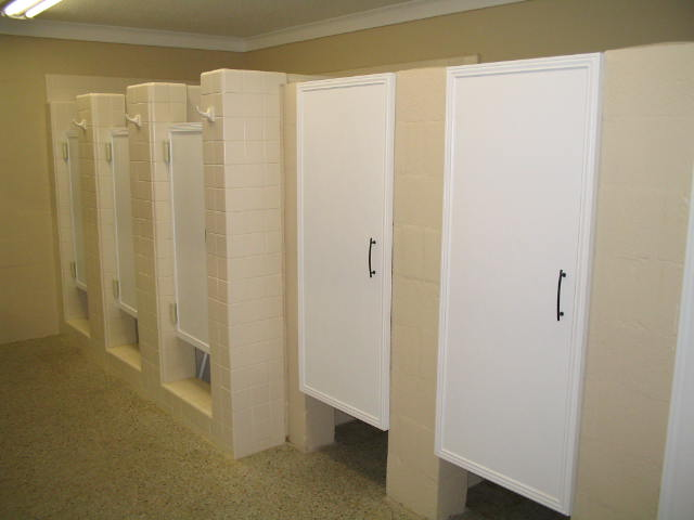 Incroyable Womenu0027s Renovated Bathroom Stalls