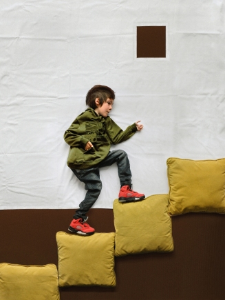 kid-climbing-stairs