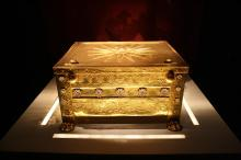 Box with Kings ashes