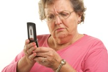 old-woman-using-a-cellphone-drewcast-890x591