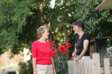 neighbors-talking-over-fence