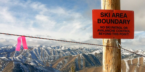 mountain-safety-boundary-sign