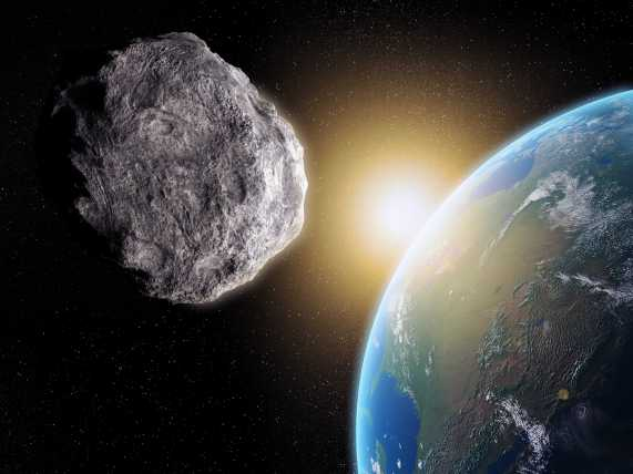 scientist-a-mountain-sized-asteroid-is-heading-towards-earth